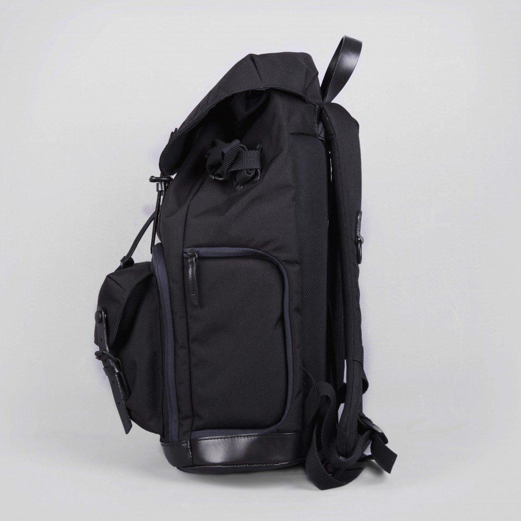 Yeti Oliver Black4-1050×1050
